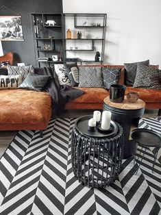 Diy Living Room Decor, Living Room Sofa, Living Room Designs, Living Spaces, Brown Leather Couch Living Room, Lounge, Home Furniture, Family Room, House Design