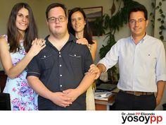 """Hijos con discapacidad. SPEAKER PP ELIZONDO. Nadie esta preparado para ser madre o padre de un hijo que presente algún tipo de discapacidad. Los padres cruzan por la negación, la agresión, la negociación, la depresión y por último la aceptación. A través de las conferencias de """"PP"""" Elizondo, usted podrá descubrir y analizar temas ya muy importantes para los padres y los hijos, le invitamos a visitar la página web www.yosoypp.com.mx para conocer a detalle acerca de los talleres que ofrece el…"""