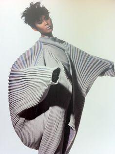 Issey Miyake Inspiration Pinterest Monochrome And Fashion Photography