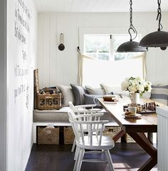 Man, I just love a window seat in the dining room!