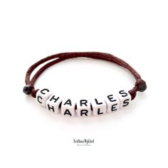 Bracelet de personnalisé avec prénom CHARLES Messages, Bracelets, Leather, Jewelry, Bracelet Patterns, Special Person, Acrylic Beads, Initials, Jewlery