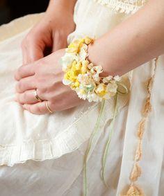 wedding(ウェディング)のミモザとシロツメ草のバングル*(バングル/リストバンド)|詳細画像