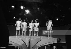 Eddie Kendricks, Dennis Edwards, Otis Williams, Melvin Franklin, Paul Williams