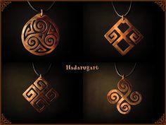 Artizani romani | Mestesugari romani | Pandantive din cupru  traforate manual cu simboluri sacre romanesti