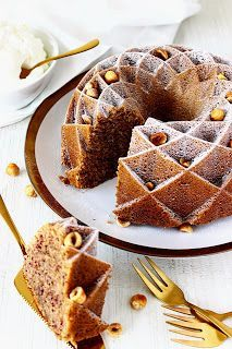 Zoet & Verleidelijk: Hazelnoottulband Fudgy Brownie Recipe, Brownie Recipes, Delicious Cake Recipes, Yummy Cakes, Gf Cake Recipe, Baking Bad, Chocolate Cherry Cake, Coconut Desserts, Bakery Cakes
