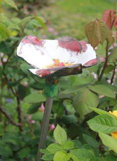 Keamik Tonfigur Garten, rot weiße Tonblume Tara