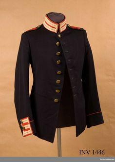 Tunic m/1886 for Soldiers at the 2nd Life Grenadier Regiment. Vapenrock m/1886 för manskap vid Andra Livgrenadjärregementet