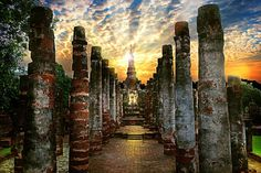 Interesting Facts About Thailand: Sukothai was the first capital city of Thailand