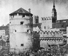 Scheibling tower, being dismantled to make more room for Viktualienmarkt, 1855