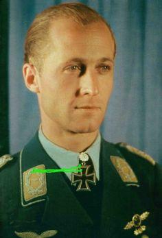 Wolf-Dietrich Wilcke as Major. Eichenlaubträger, Luftwaffe Day Aces, Luftwaffe Oberst, Ritterkreuzträger, Schwerternträger