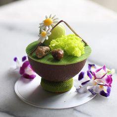 Oct 21 2017。Hong Kong。Dessert。Pistachio Cake  Something nice for the weekend!! #beautifulcuisines #simplisticfood #gastronogram #feedfeed #cuisine_captures #chefsroll #f52grams #foodamology #eniyilerikesfet #aroii #gastroart #foodblogger #foodblog #nom #nomnom #vscofood #menwithcuisines #ケーキ #デザート #디저트 #相機食先 #chefsplateform #맛있는  #hkfoodie #breakfast #美味しい #foodart #comfortfood #photography .