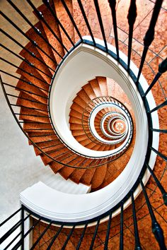 staircase ツ