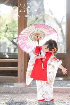 Kids Girls, Baby Kids, Kimono Japan, Asian Kids, Rite Of Passage, Boys Wear, Yukata, Color Photography, Umbrellas