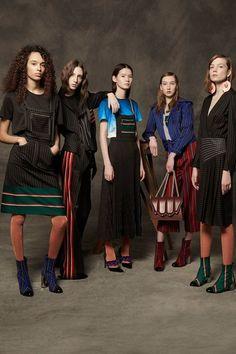 Marco de Vincenzo Pre-Fall 2017 Collection Photos - Vogue