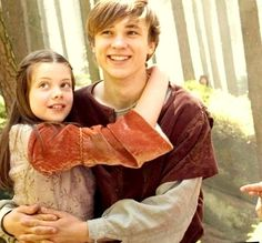 William Moseley and Georgie Henley as Peter and Lucy. This is so adorable <3