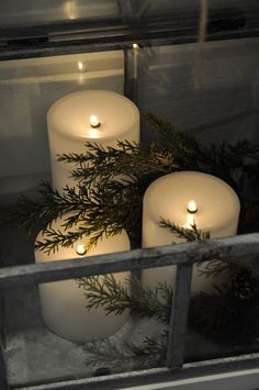 Simple and beautiful candle arrangement