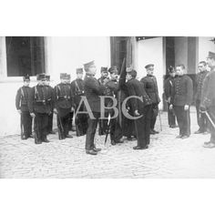 /10/1916 JURA DE LA BANDERA EN SAN SEBASTIÁN. LOS RECLUTAS DEL CUPO DE INSTRUCCIÓN PRESTANDO JURAMENTO. FOTO: LLOPIS: Descarga y compra fotografías históricas en   abcfoto.abc.es