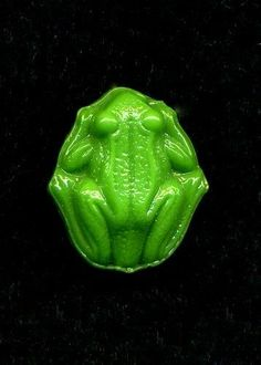 Vintage Button...Green Glass Realistic FROG