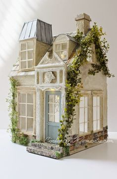 La Maison de Ville Dollhouse