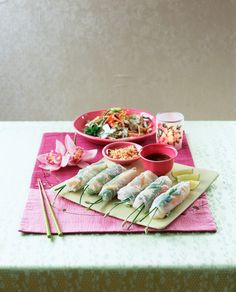Frühlingsrollen aus Vietnam   http://eatsmarter.de/rezepte/fruehlingsrollen-aus-vietnam