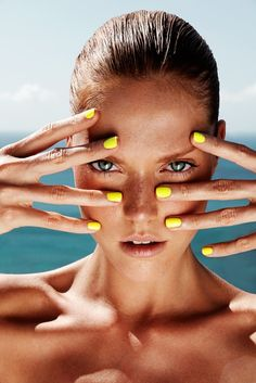Natural Face, Yellow Nails