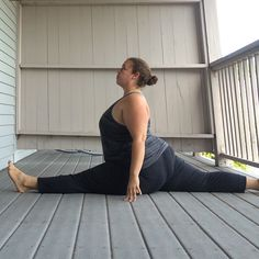 #SizeDoesntMatter Challenge Shows That Plus Size Women Can Do Yoga Too