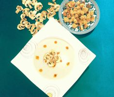 Avokadolu mantar çorbası