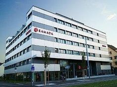 Zurich Ramada Hotel Zurich City Switzerland, Europe Ideally located in the prime touristic area of 9. Albisrieden-Altstetten, Ramada Hotel Zurich City promises a relaxing and wonderful visit. The hotel offers a wide range of amenities and perks to ensure you have a great time. 24-hour front desk, facilities for disabled guests, express check-in/check-out, luggage storage, Wi-Fi in public areas are just some of the facilities on offer. Each guestroom is elegantly furnished and ...
