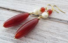Orange agate earrings, carnelian earrings, long gemstone earrings, dangle earrings, drop earrings, contemporary jewelry, italian jewelry by Sofiasbijoux on Etsy #contemporaryjewelry