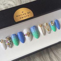 #mermaidnails Shop link in bio ✨#mermaid #mermaidlife #pressonnails #fakenails #swarovski #swarovskinails #blingnails #presson #customnails #instanails #nailstagram #nails #nailpolish #makeup #mua #makeupartist #beauty #nailart #nailporn #nailsonpoint #nailsofinstagram #nailsoftheday #nails2inspire #stilettonails #coffinnails #hudabeauty #vegas_nay #naildesign #nailaddict
