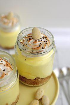 No-bake citroncheesecake med lakridsmarengs