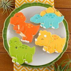 How to Make T-Rex Dinosaur Cookies - Semi Sweet Designs Dinosaur Cookie Cutters, Dinosaur Cookies, Dinosaur Cake, Cookie Cutter Set, Dinosaur Birthday Party, 3rd Birthday, Girl Dinosaur, Dinosaur Crafts, Die Dinos Baby