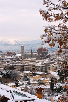 Winter in Florence, Tuscany, Italy. More Christmas, more Italy on http://www.venice-italy-veneto.com/christmas-in-italy.html