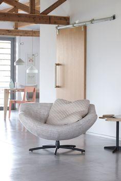 Cozy chair called Gigi - by Gerard van den Berg Lounge Design, Chair Design, Room Interior Design, Interior Exterior, Interior Design Inspiration, Deco Furniture, Sofa Furniture, Furniture Design, Chill Lounge