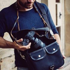 Black is the new black vibes with the stellar Sony a7RIII and G Master 24-70. Kept safe in our Small Sloane St. bag and being lovingly held by our Borough neck strap.