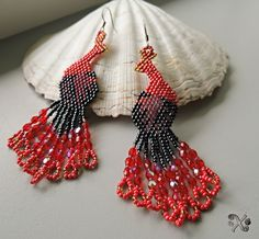 Peacock Black&Red – Potvor - pomáhat tvořit