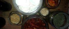 Deshidratando: cebolla, tomates, ajo, oregano, zapallo.