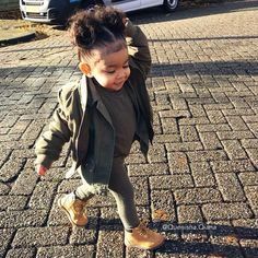 I was made for sunny days ☀️ Cute Mixed Babies, Cute Black Babies, Beautiful Black Babies, Beautiful Children, Cute Babies, Fashion Kids, Little Girl Fashion, Toddler Fashion, Black Baby Girls