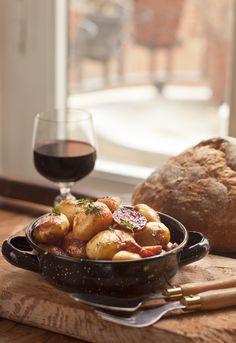 """Receta 234: Patatas con chorizo y bacon » 1080 Fotos de cocina - proyecto basado en el libro """"1080 recetas de cocina"""", de Simone Ortega."""
