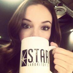 Danielle Panabaker as Caitlin Snow with a cute S.T.A.R. Labs mug <3