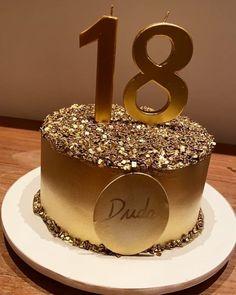 Birthday Cake Roses, 15th Birthday Cakes, Elegant Birthday Cakes, Elegant Cakes, Congratulations Cake, Birthday Cake For Boyfriend, Black And Gold Cake, Girl Birthday Decorations, Gateaux Cake