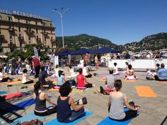 Yoga in Piazza Cavour ~ Como, Italy