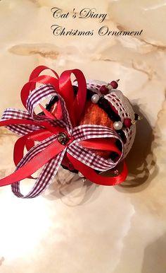 Cat Diary, Christmas Balls, Christmas Ornaments, Accessories, Christmas Baubles, Christmas Jewelry, Christmas Decorations, Christmas Decor, Jewelry Accessories