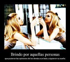 Brindo por aquellas personas ~ Carteles de Fotos - http://www.fotosbonitaseincreibles.com/brindo-por-aquellas-personas-carteles-de-fotos/
