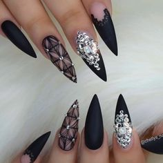 If you want to try something new, why not opt for matte black nails? This design looks really extraordinary. See our matte black manicure ideas. Black Manicure, Black Coffin Nails, Matte Black Nails, Black Nail Art, Black Art, Nail Pink, Ombre Nail, Black Nail Designs, Beautiful Nail Designs