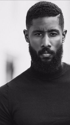 Sharing photos of black men to combat the erasure in the beard movement. Medium Beard Styles, Long Beard Styles, Beard Styles For Men, Hair And Beard Styles, Mens Hairstyles With Beard, Black Men Hairstyles, Haircuts For Men, Black Men Beards, Long Beards