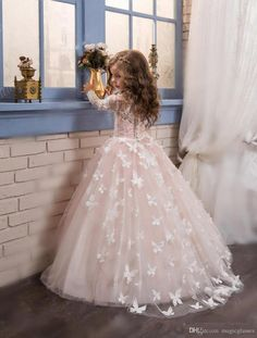 2017 New Princess Hot Pink Long Sleeves Ball Gown Flower Girl Dress Sweep Train Girls First Communion Dress Girls Lace Wedding Party Dresses