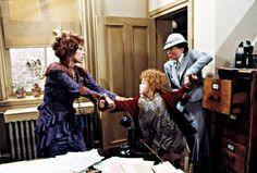 ANNIE, Carol Burnett, Aileen Quinn, Ann Reinking, 1982