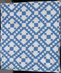 Jacobs Ladder Variation Quilt at www.antiquequilts.com/catalog16.htm#17694 Old Quilts, Antique Quilts, Easy Quilts, Vintage Quilts, Quilting Projects, Quilting Designs, Irish Chain Quilt, Two Color Quilts, Homemade Quilts