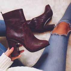 9 Simple Tips: Shoes Tacones White balenciaga shoes gray.Nike Shoes New work shoes rain.Nike Shoes New. Women's Shoes, Cute Shoes, Me Too Shoes, Prom Shoes, Trendy Shoes, Shoes Style, Platform Shoes, Converse Shoes, Wedding Shoes